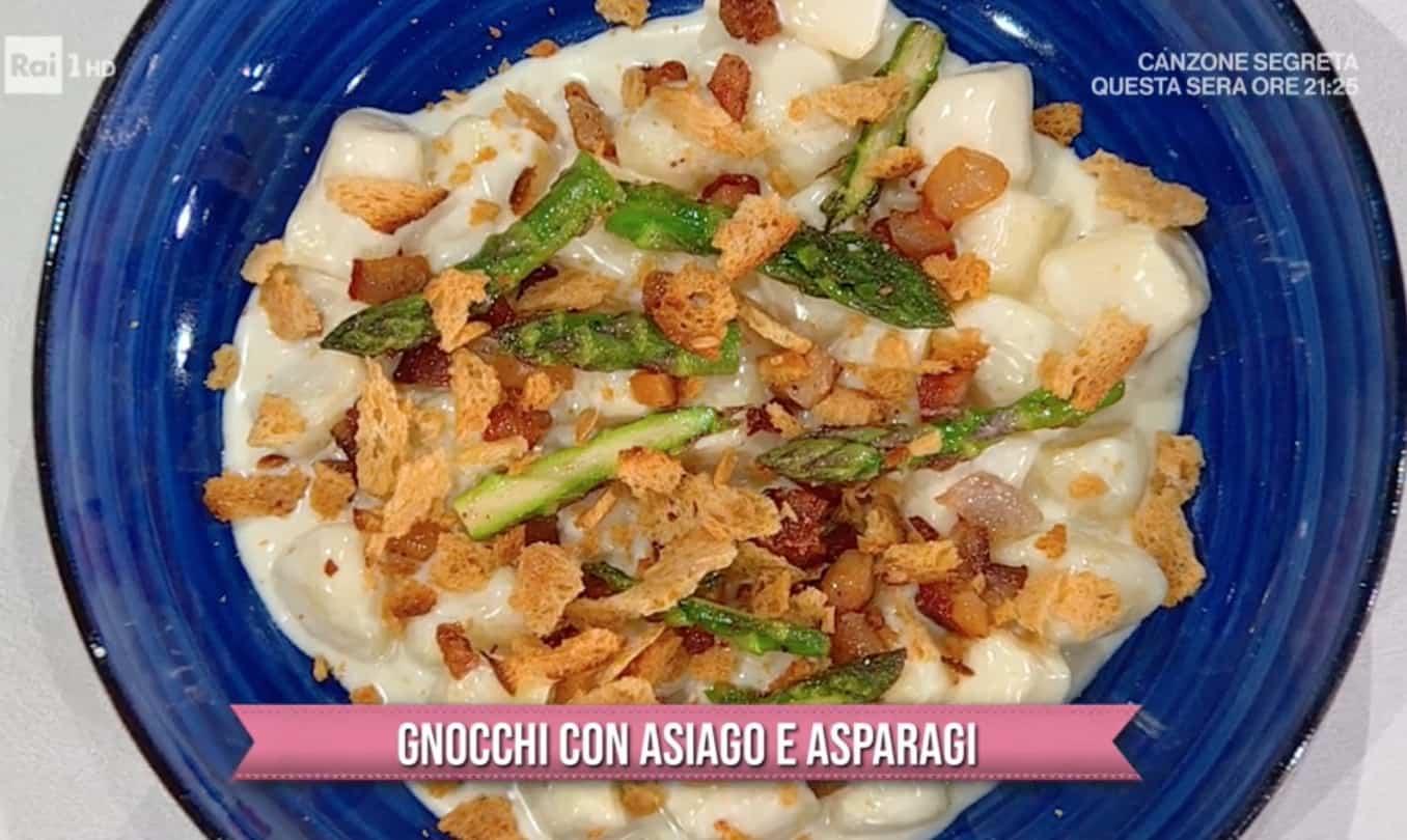 Gnocchi con Asiago e asparagi, la ricetta dei gemelli Robelli