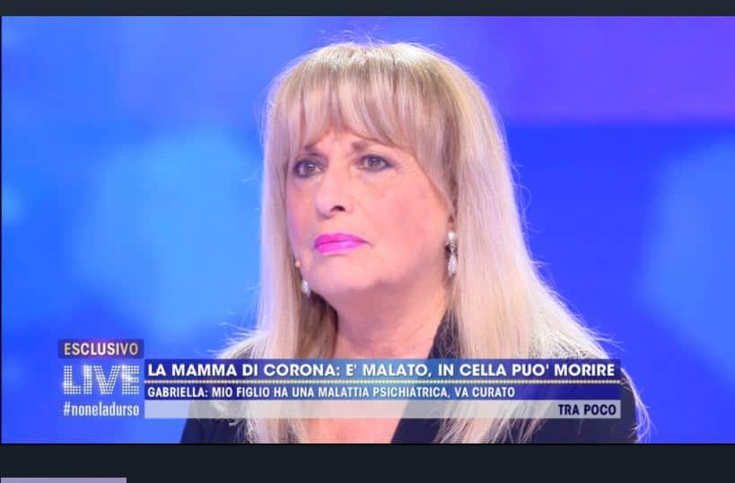 """La mamma di Fabrizio Corona a Live: """"c'è la possibilità che mio figlio muoia"""""""