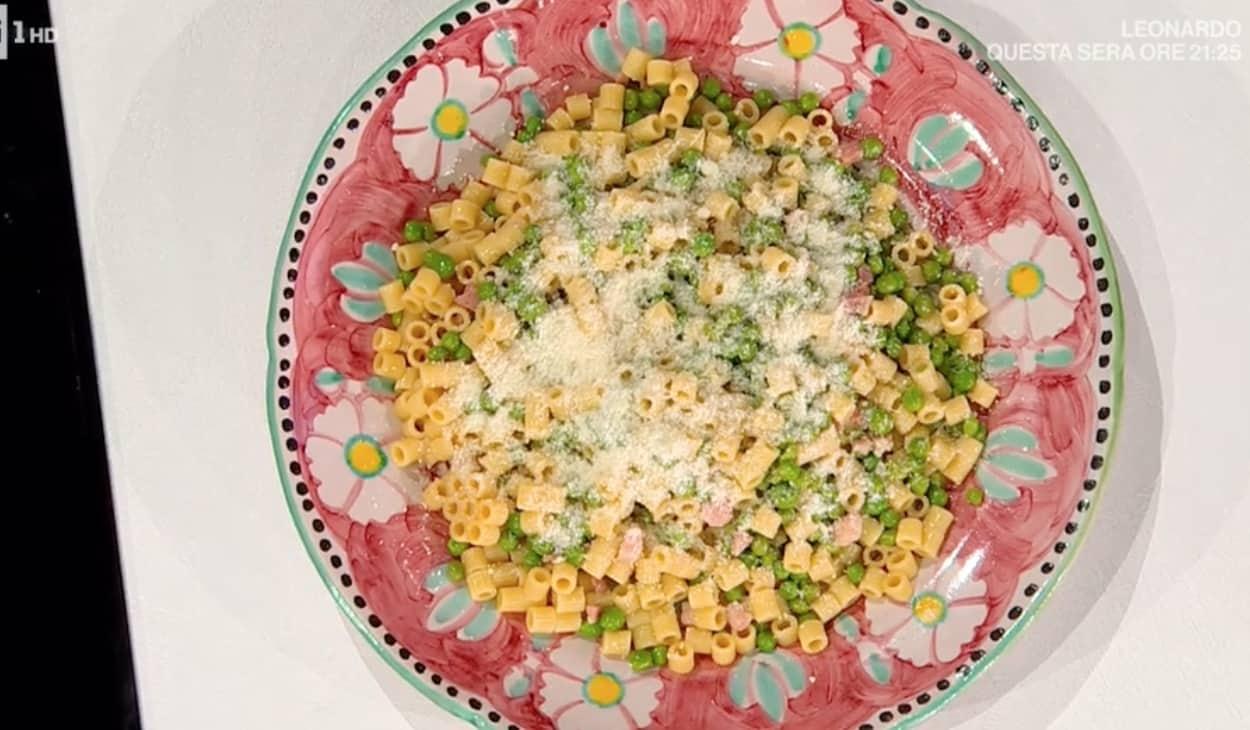 Tubetti con piselli e pancetta, la ricetta di Angela Frenda e Zia Cri
