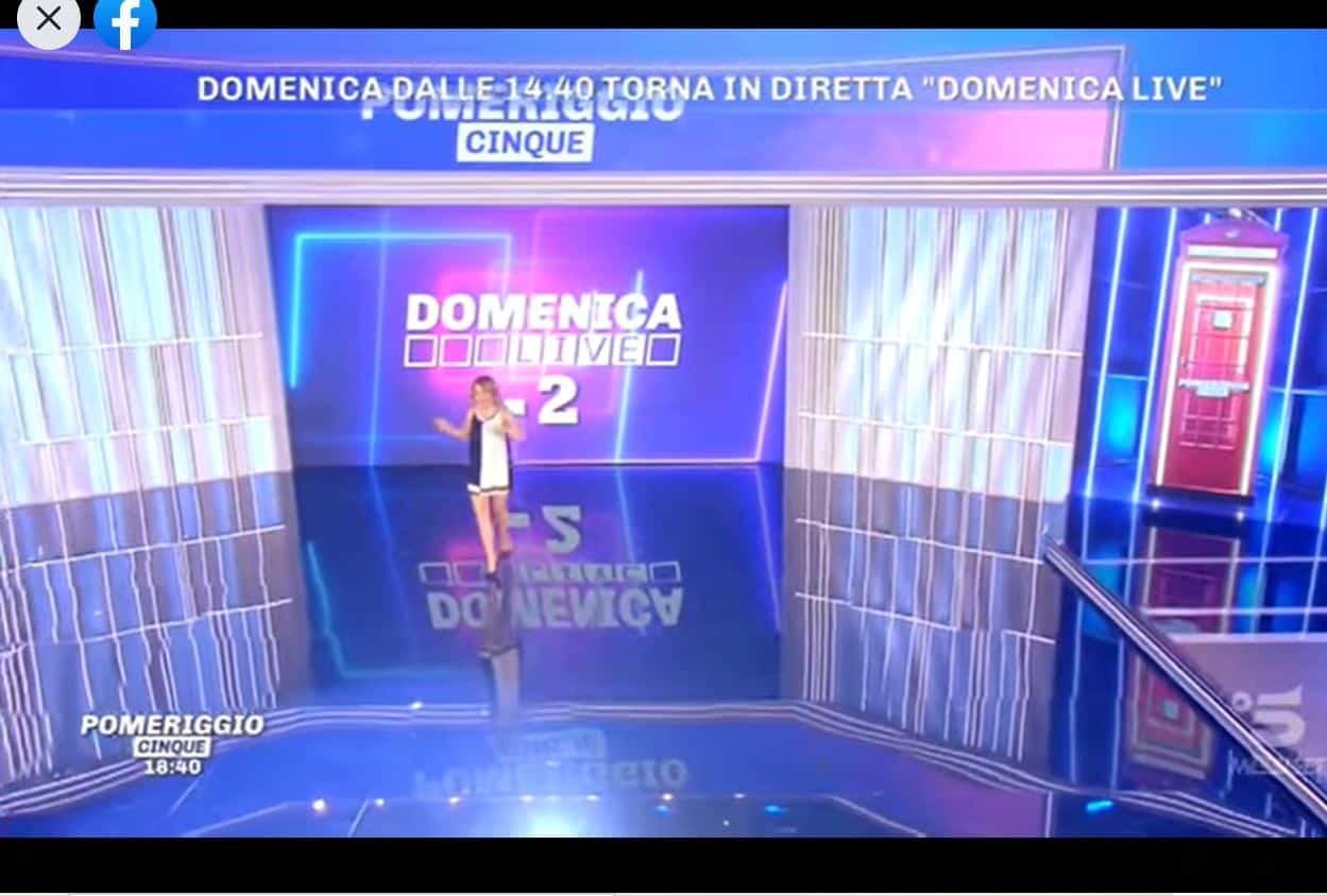 Domenica Live torna oggi 4 aprile con un esperimento meta-televisivo: che succederà?