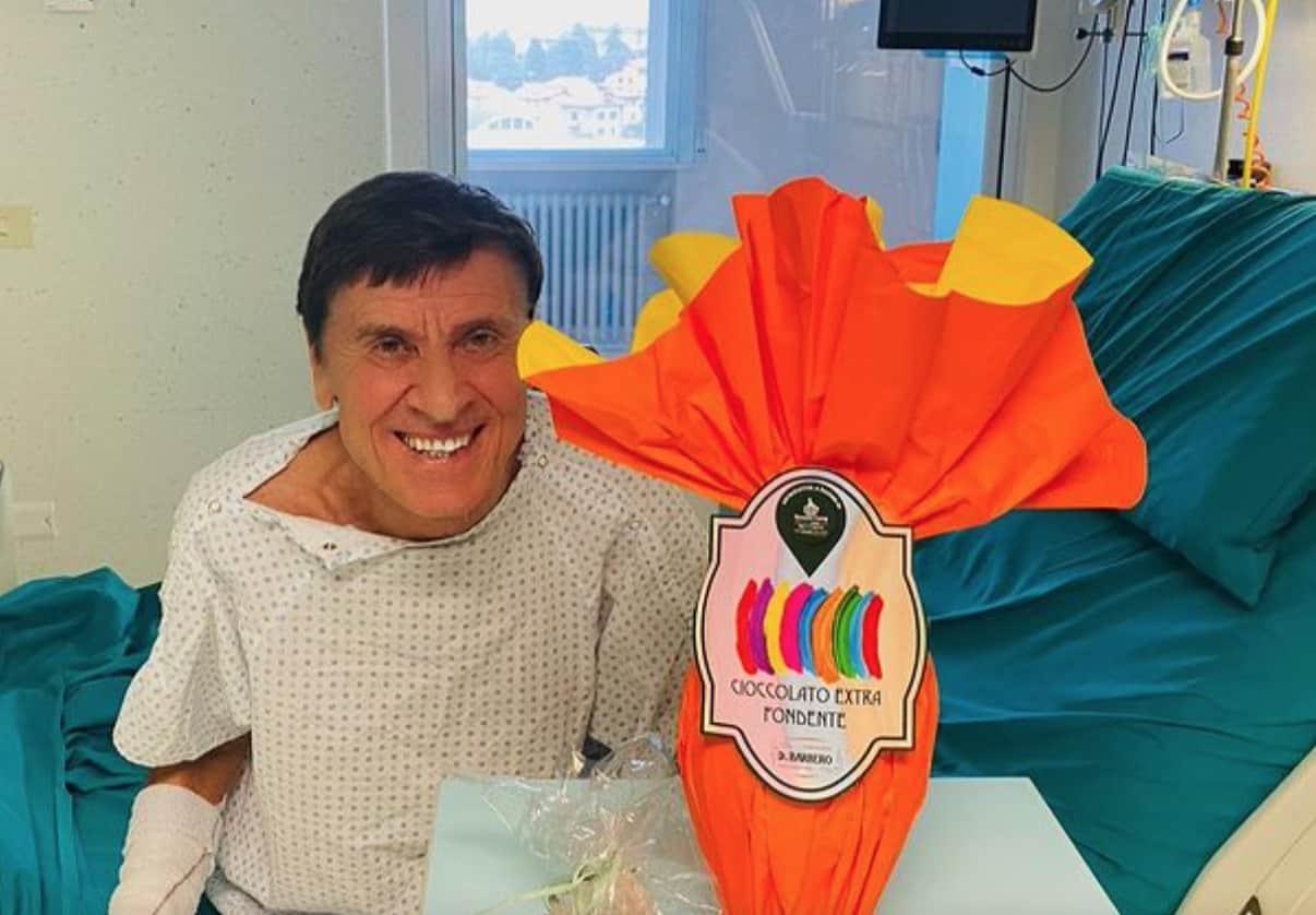 Gianni Morandi ancora in ospedale, devono sedarlo per le medicazioni