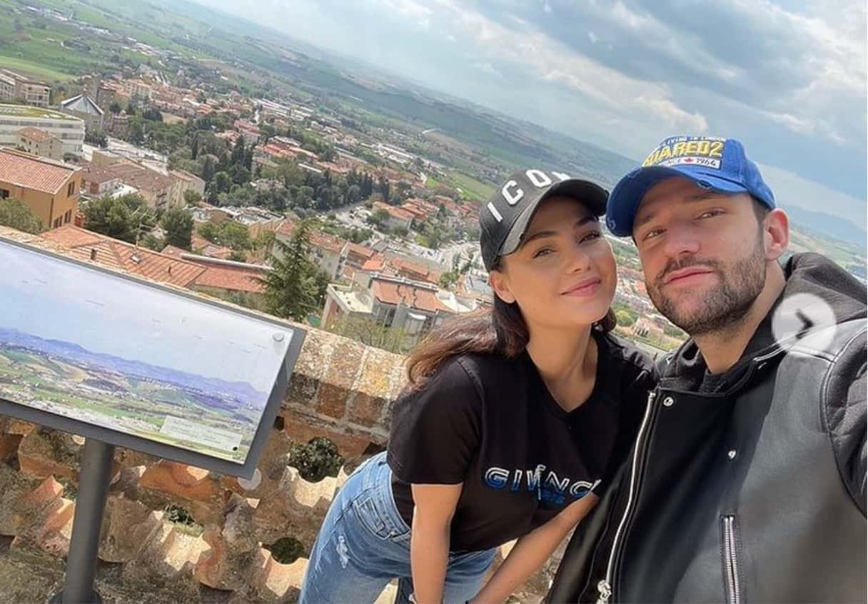 Andrea Zenga e Rosalinda Cannavò tornano a casa dopo le presentazioni a Osimo (Foto)
