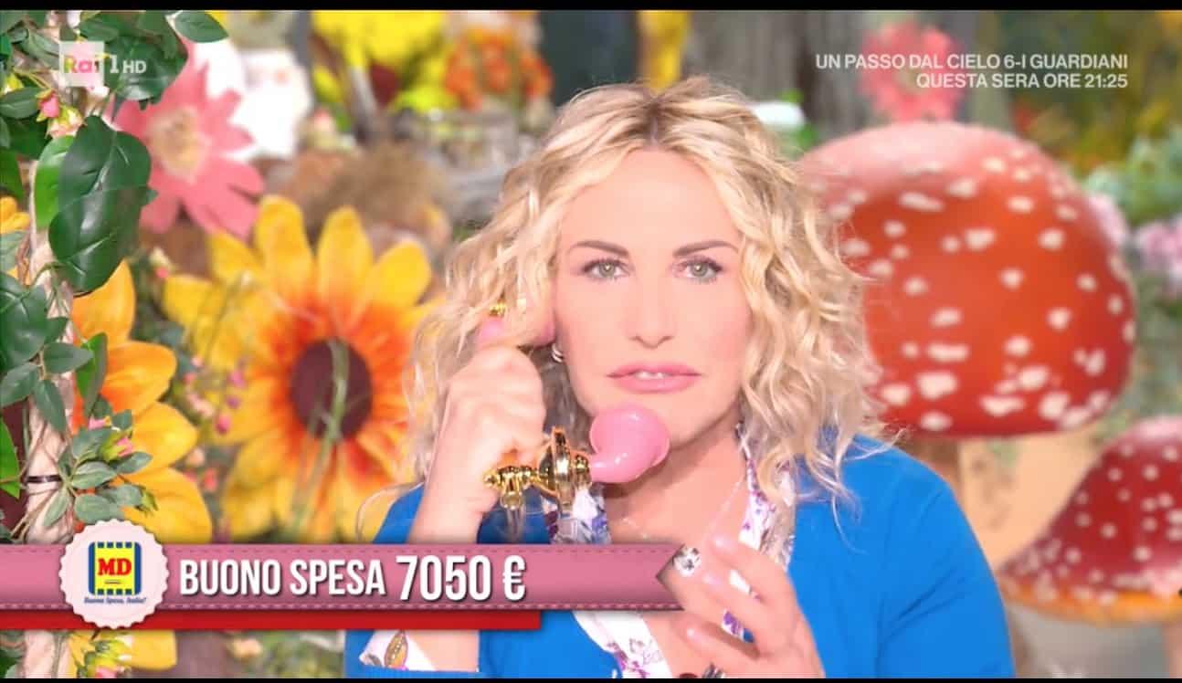 Antonella Clerici regala più di 7mila euro di buoni spesa (Foto)