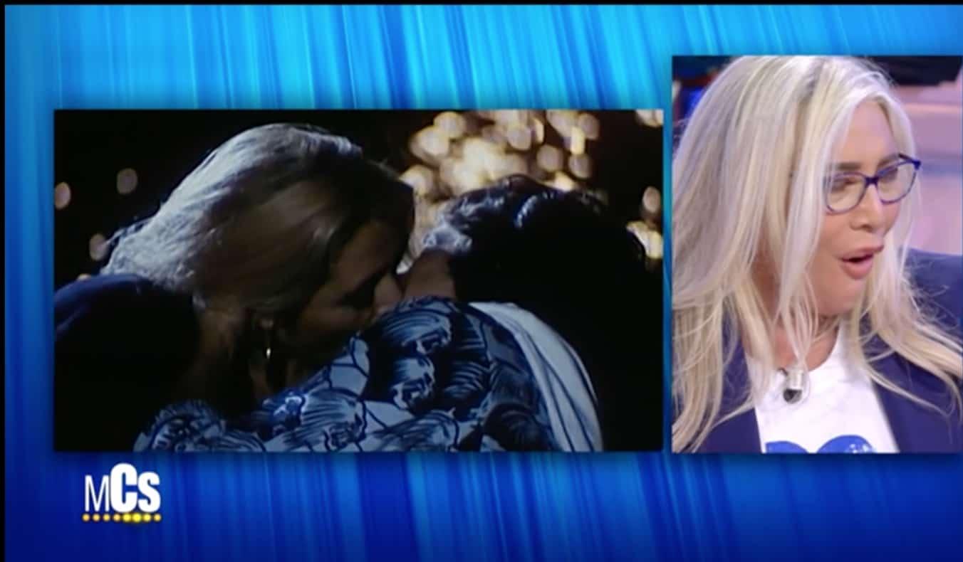 Claudio Amendola e Mara Venier al MCS ricordano i baci, il loro amore (Foto)