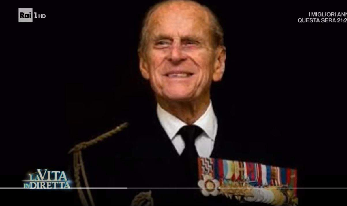 Addio al principe Filippo: la regina Elisabetta dice addio al suo consorte