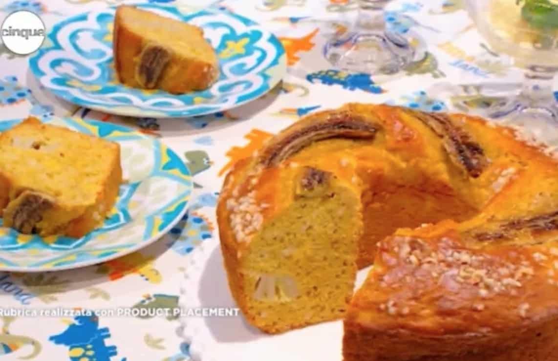 Banana Bread, la ricetta del ciambellone con banane e mandorle