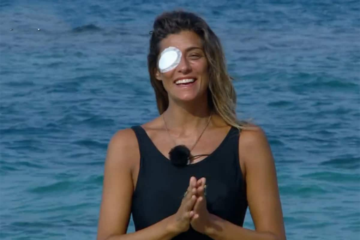 L'Isola dei Famosi 2021: Elisa Isoardi infortunio ad un occhio, ecco cos'è successo