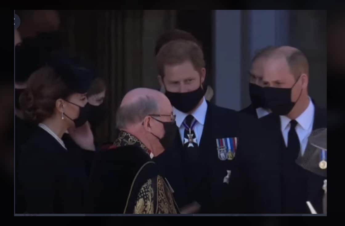 Harry e William tornano insieme al Castello dopo il funerale del nonno (Video)