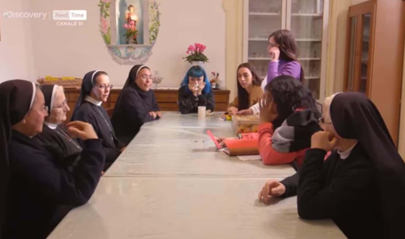 Gran finale per Ti spedisco in convento: tra lacrime ed emozioni il ritorno a casa delle ragazze