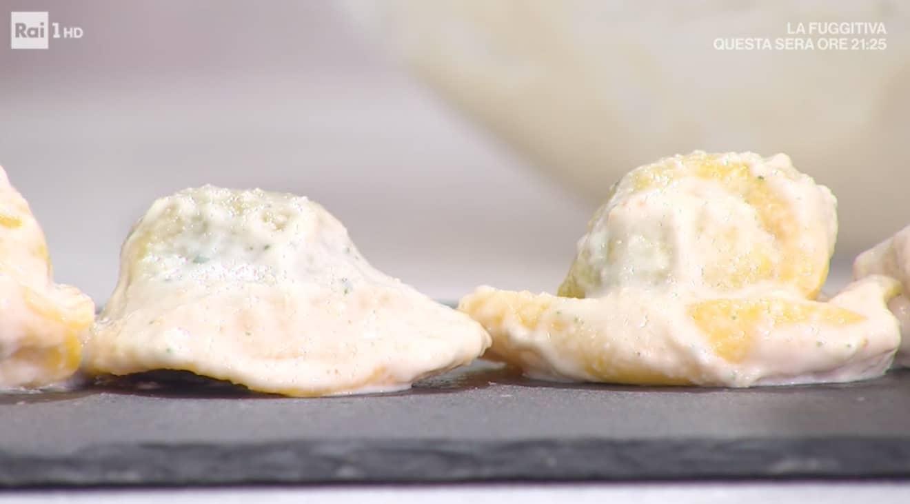 Tortelli con crema di pinoli tostati, la ricetta di Ivano Ricchebono