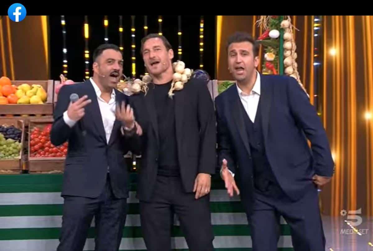 Ascolti tv, Felicissima sera vs Top Dieci: chi vince?