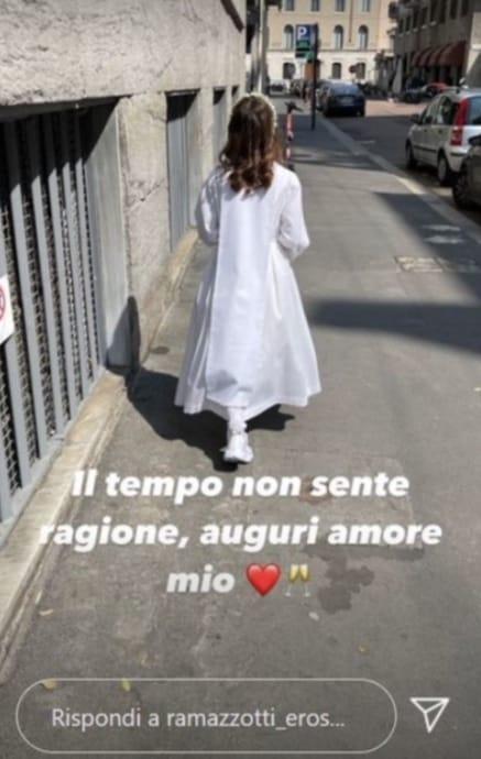 Festa in casa per Eros e Marica Pellegrinelli, tornano insieme per la prima comunione della figlia (Foto)