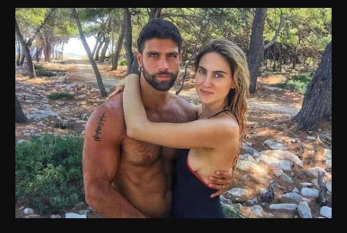 La fidanzata di Gilles Rocca lo ignora sui social: niente foto o dediche per fare il tifo