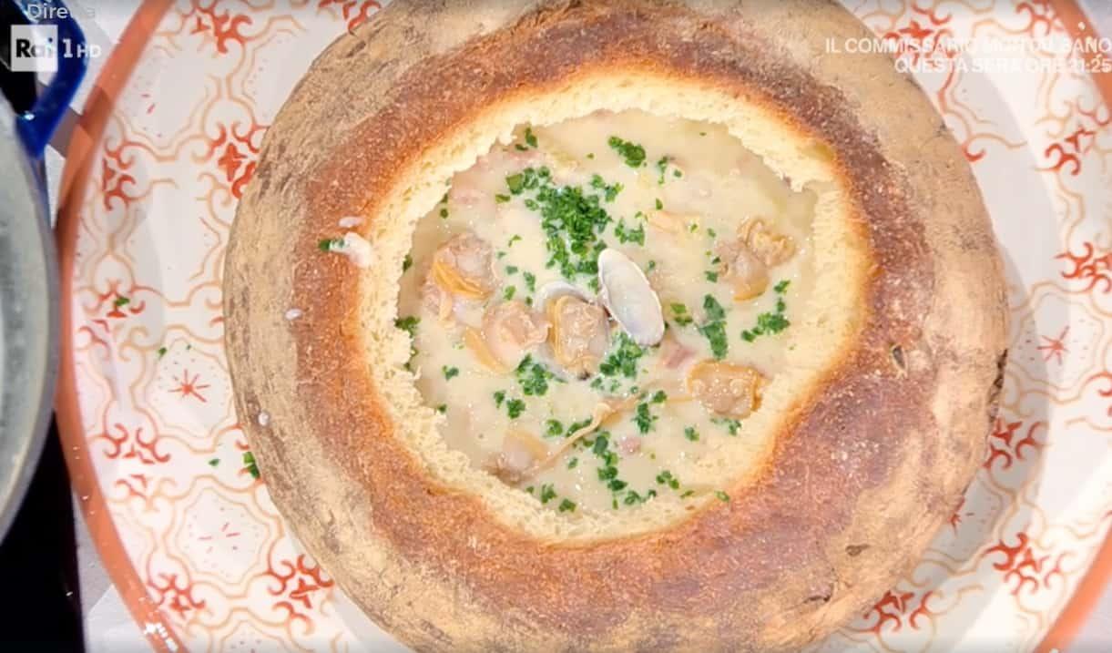 Zuppa di vongole, la ricetta di Angela Frenda e Zia Cri
