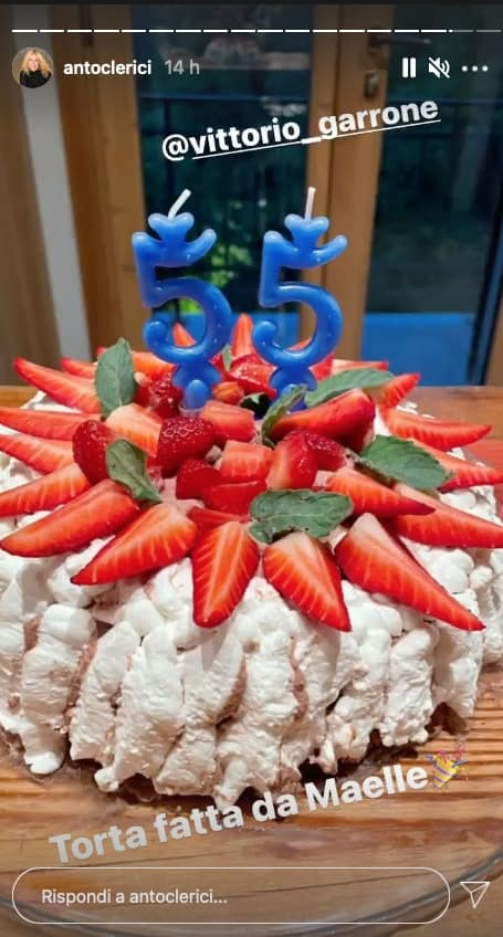 La torta di Maelle per festeggiare il compleanno di Vittorio Garrone in famiglia (Foto)