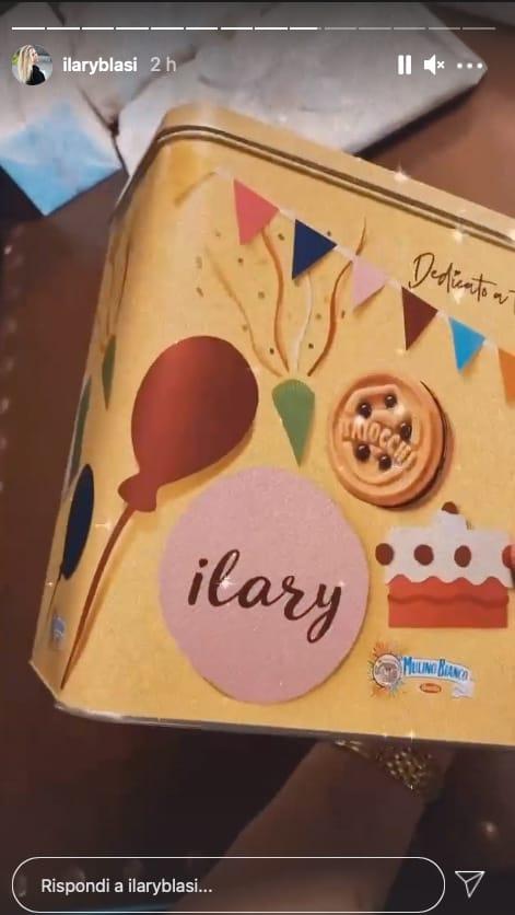 Ilary Blasi, sono tutti originali i regali per il suo compleanno (Foto)