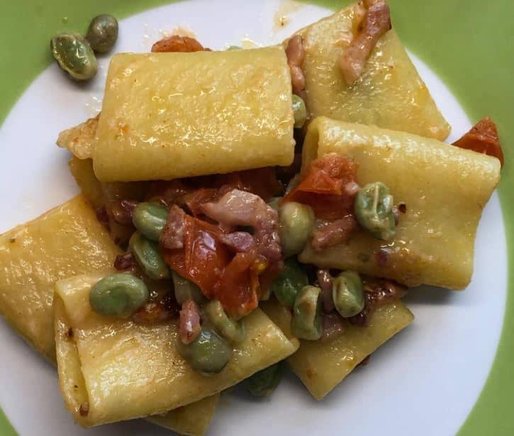 Ricette di primavera: paccheri con fave, pancetta e pecorino di Benedetta Parodi