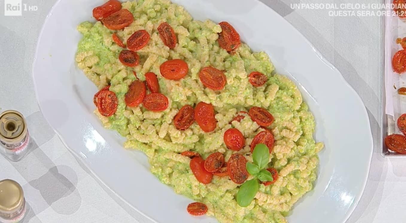 Passatelli con pesto di zucchine, la ricetta di Zia Cri