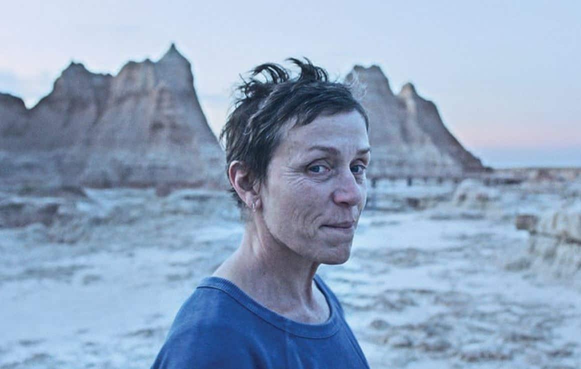 In Nomadland le storie di chi non ha un tetto ma ha una casa: recensione