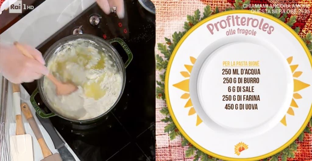 Profiteroles alle fragole, la ricetta di Sal De Riso