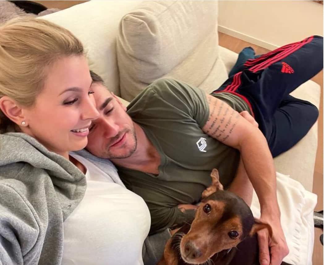 Damiano Carrara rimanda le nozze dopo l'incidente della fidanzata