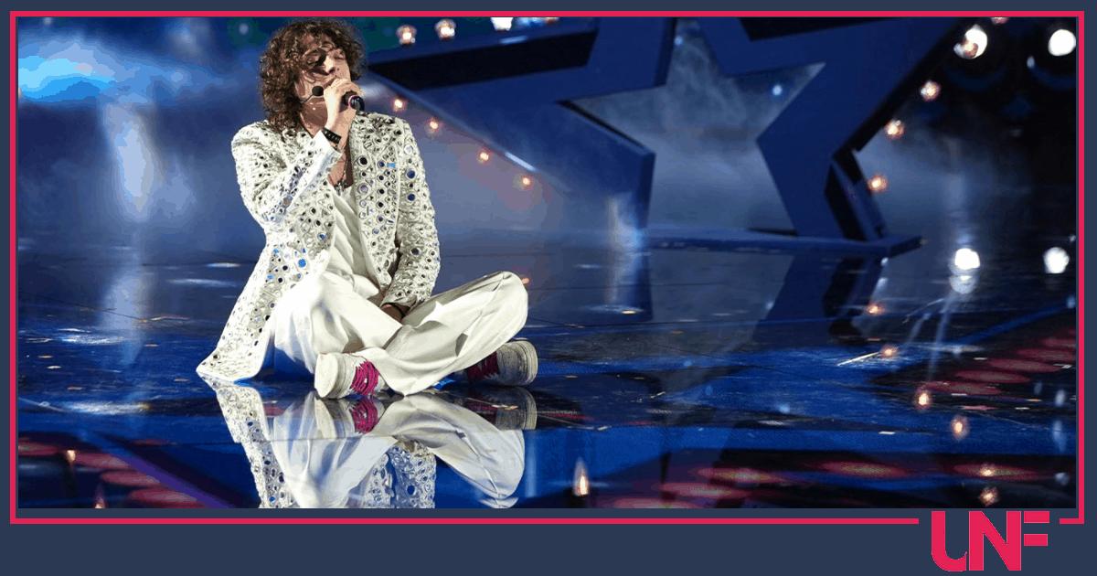 Sangiovanni instore tour: il cantante di Amici 20 incontra i fan
