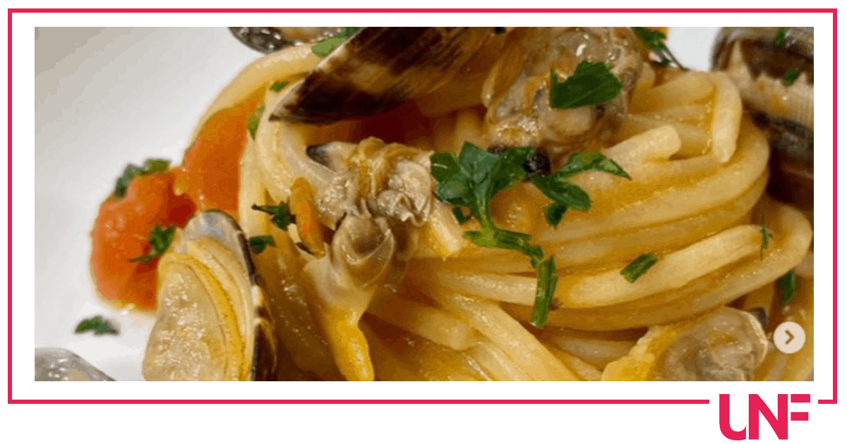 Spaghetti alle vongole con pomodorini, la ricetta di Tessa Gelisio