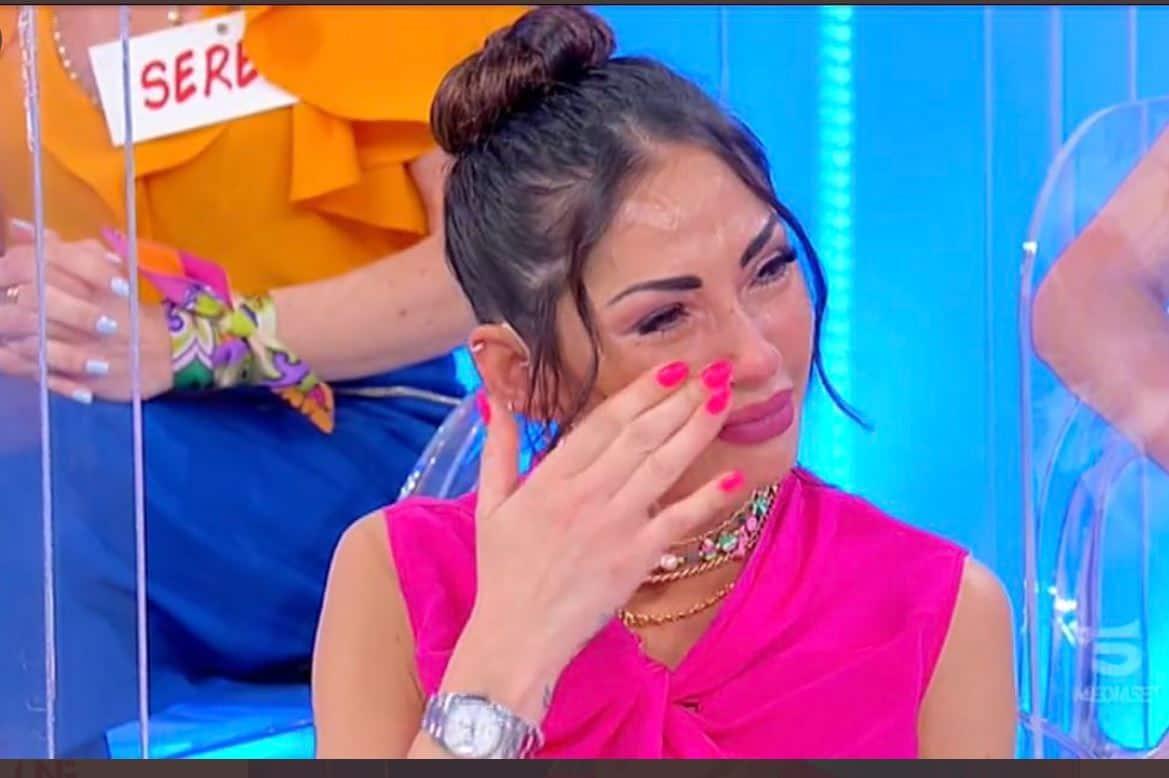 Le lacrime di Ida Platano a Uomini e Donne: pensa ancora a Riccardo dopo anni?