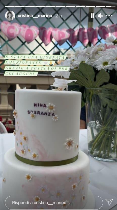 Cristina Marino mostra la prima torta di compleanno di Nina (Foto)