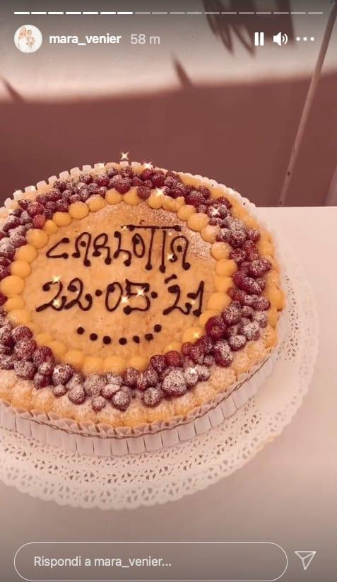 Mara Venier mostra la torta di Carlotta, la terrazza ed Eleonora Daniele (Foto)