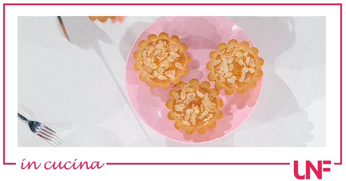 Ricette Angela Frenda, tortini frangipane alle albicocche