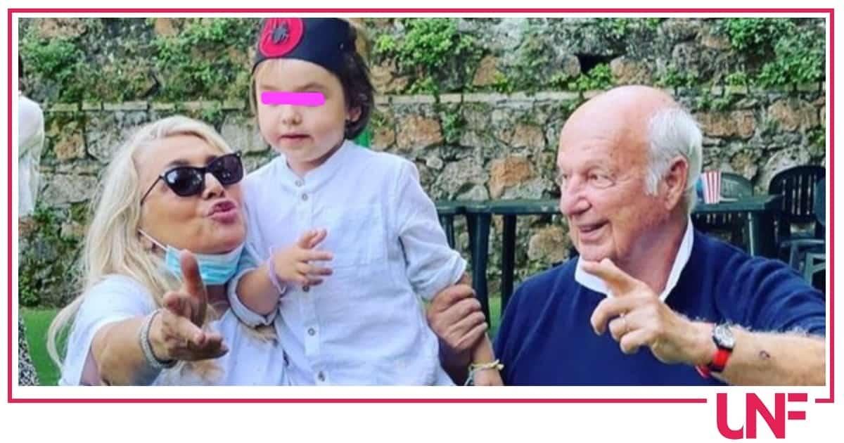 Al compleanno di Iaio: Mara Venier non poteva mancare alla festa del nipotino