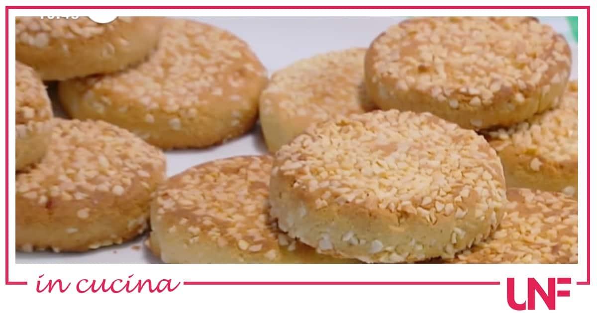 Cookies con farina di miglio e mandorle, la ricetta di Samya