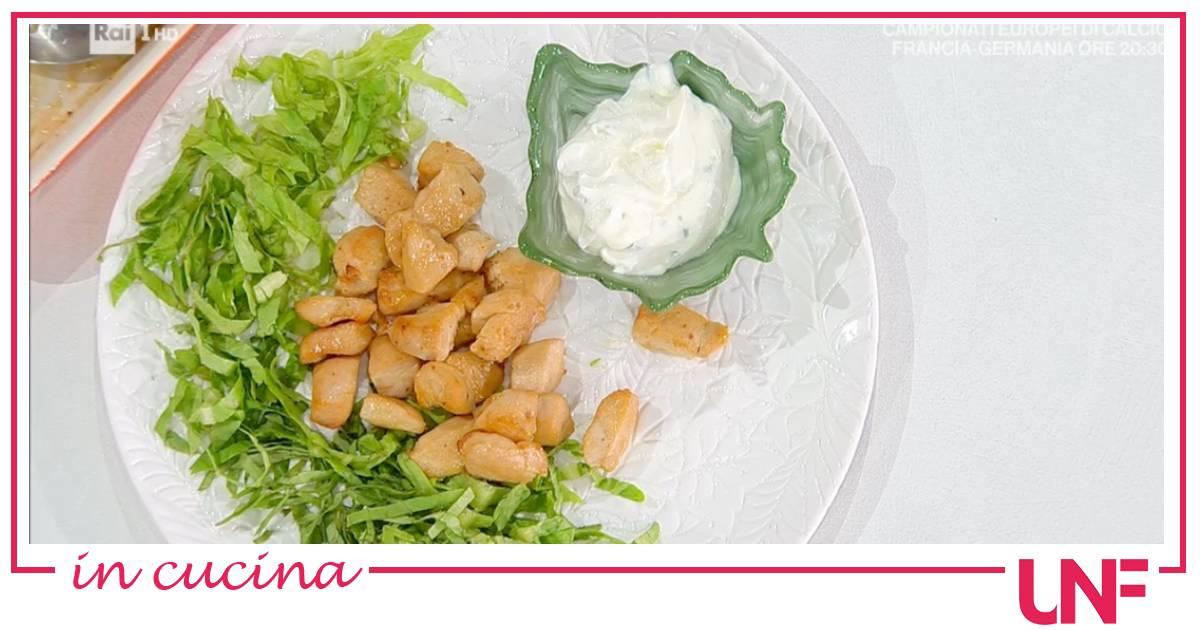 Pollo al forno o fritto con salsa allo yogurt, ricetta di Angela Frenda e Zia Cri