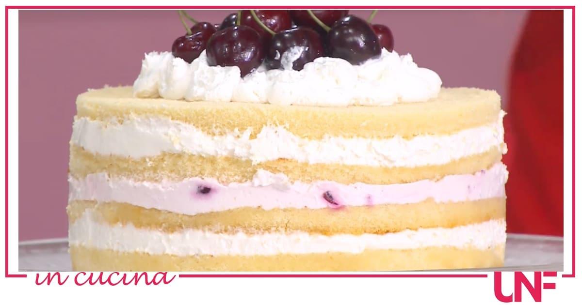 Torta in padella con ciliegie, la ricetta di Natalia Cattelani
