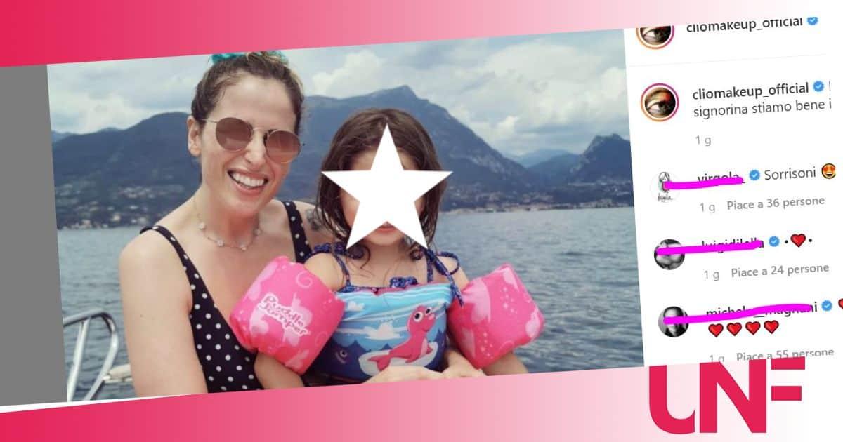 Clio e Grace in barca: la Zammatteo in costume senza foto ritocco si mostra al naturale