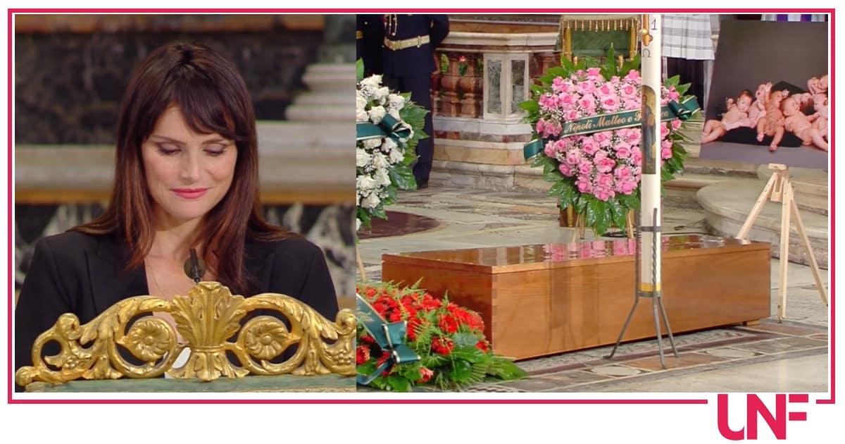 L'ultima standing ovation per Raffella Carrà, le parole della famiglia lette da Lorena Bianchetti