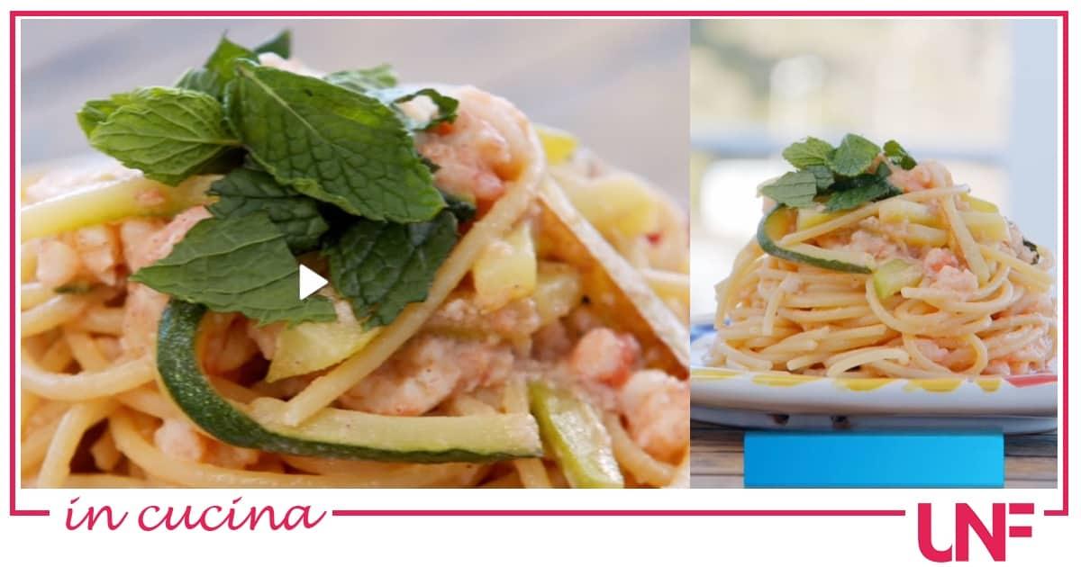 Ricette Giusina in cucina: spaghetti con gamberi, zucchine e limone