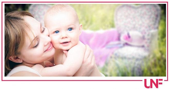 Come idratare per bene in estate la pelle dei neonati