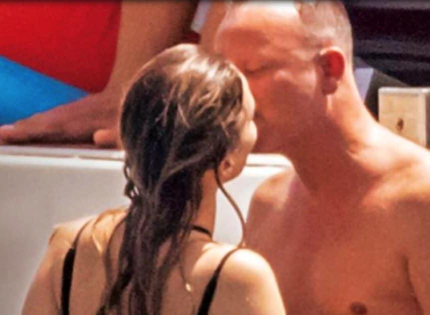 Il pancione della compagna di Gigi D'Alessio e la reazione di Anna Tatangelo (Foto)