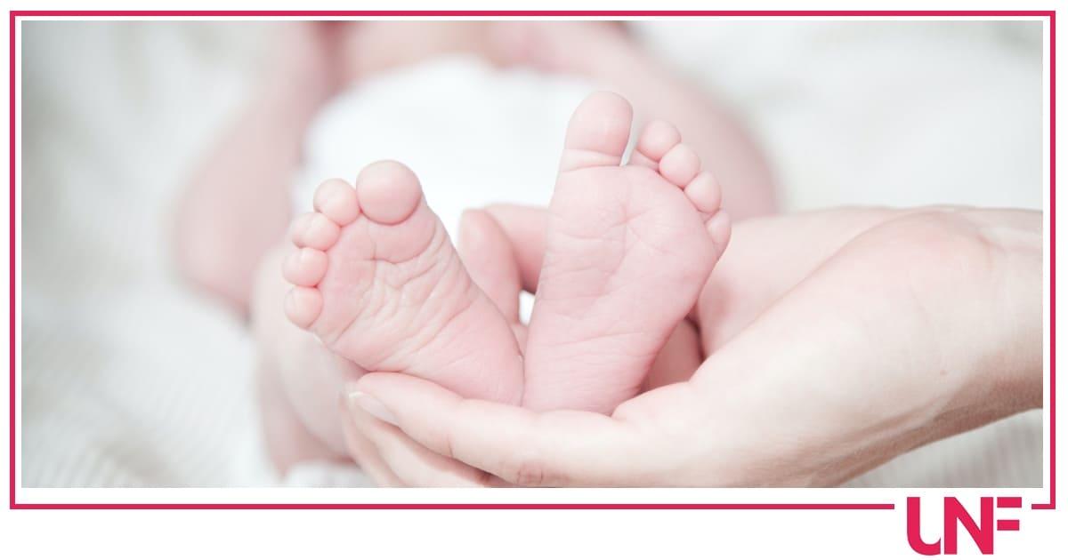Massaggi da fare ai neonati: i consigli di UNF