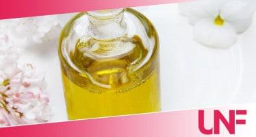 pulire bottiglia di olio