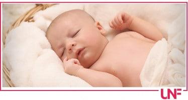 Come abituare il neonato a dormire in culla?