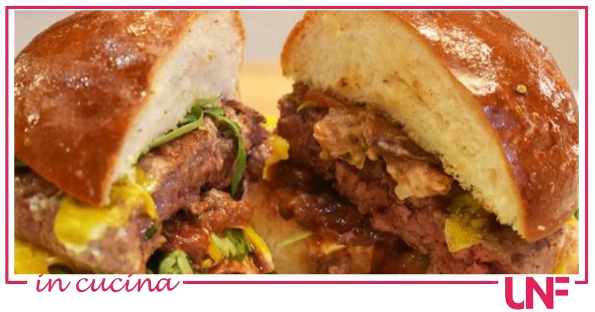 Il favoloso hamburger gourmet di Zia Cri, la ricetta di Cristina Lunardini