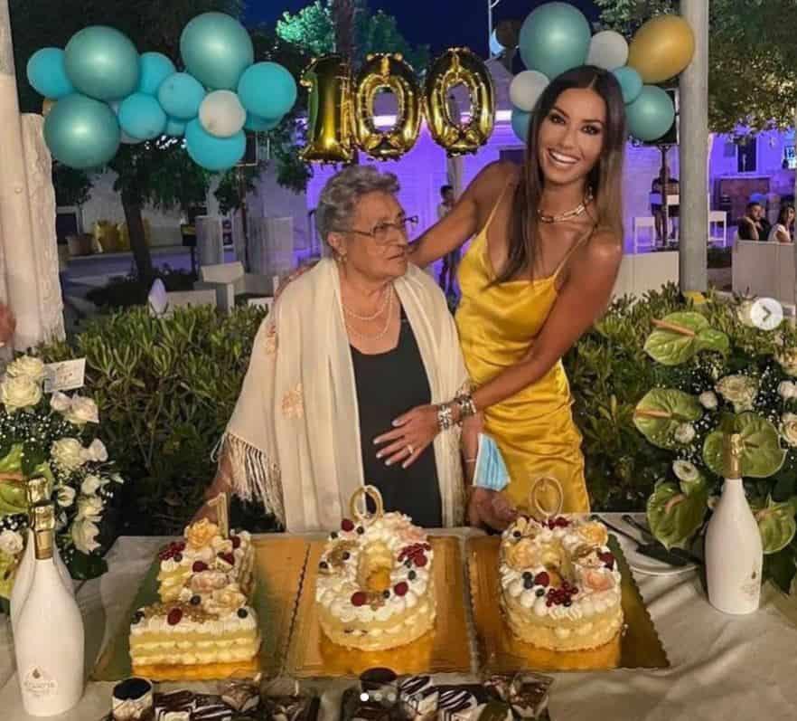 Elisabetta Gregoraci festeggia i 100 anni della sua nonna a Soverato (FOTO)