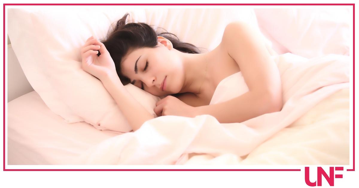La coperta terapeutica per dormire finalmente bene: come funziona la coperta ponderata