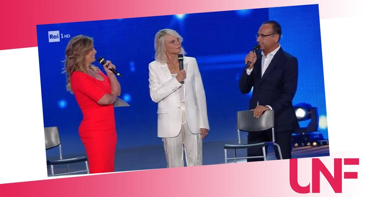 Maria de Filippi emozionatissima per il premio ricevuto ai Seat Music Awards 2021