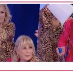 A volte ritornano Tina Cipollari vs Gemma Galgani: a Uomini e Donne finisce a secchiate